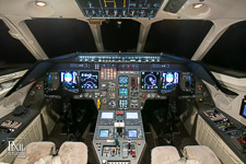 falcon2-010 avionics aviation photography